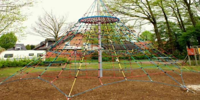 PYRAMIDE DE CORDES  (6,5 m)